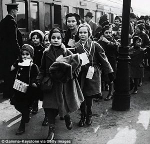 Jewish refugee children arriving in London from Nazi Germany in 1939